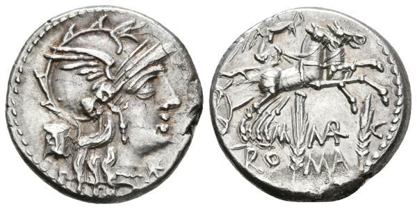 138 - M. MARCIUS. MN. F. Denario. 134 a.C. Roma. A/ Busto de Roma a derecha, delante signo de valor y detrás modio. R/ Victoria llevando biga a derecha, debajo dos espigas y entre ellas M.MAR. C, en exergo ROMA. Craw 245.1; Sydenham 500; Marcia 8. Ar. 3,87g. Buen ejemplar. EBC+. - 120€